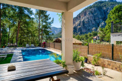 rent-a-forest-villa-with-pool-gocek-15