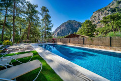 rent-a-forest-villa-with-pool-gocek-24