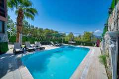 Secluded Villa with Private Pool - 2