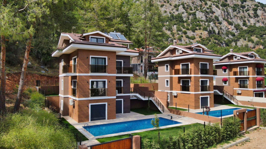 Detached villa with Private pool